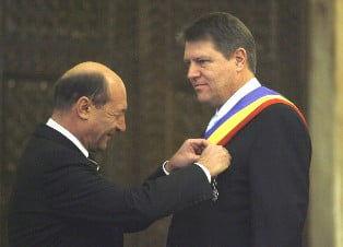 Basescu mizeaza pe Johannis. Cu o conditie!