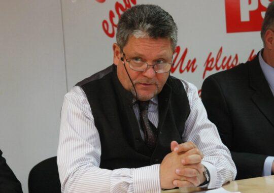 Cazan: Tariceanu a premeditat scindarea PNL