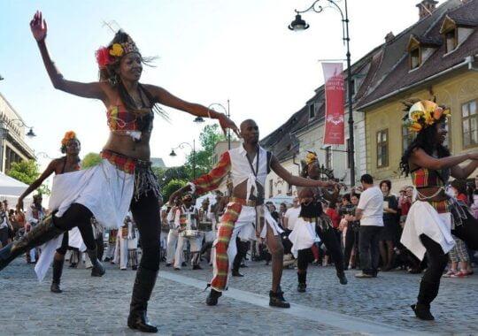 Festivalul International de Teatru de la Sibiu cauta voluntari