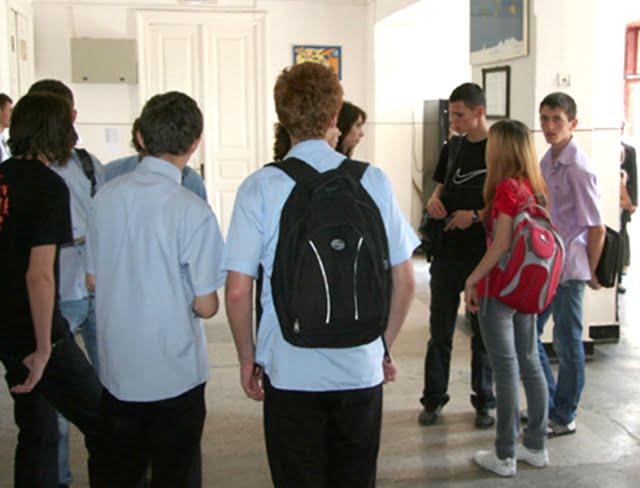 Raluca Turcan: Ministerul Educatiei este din nou in afara legii! Sa aprobe curricula pentru clasele a V-a si a IX-a