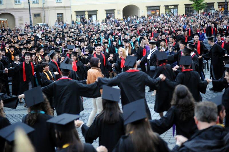 Studentii renunta pe capete la facultati