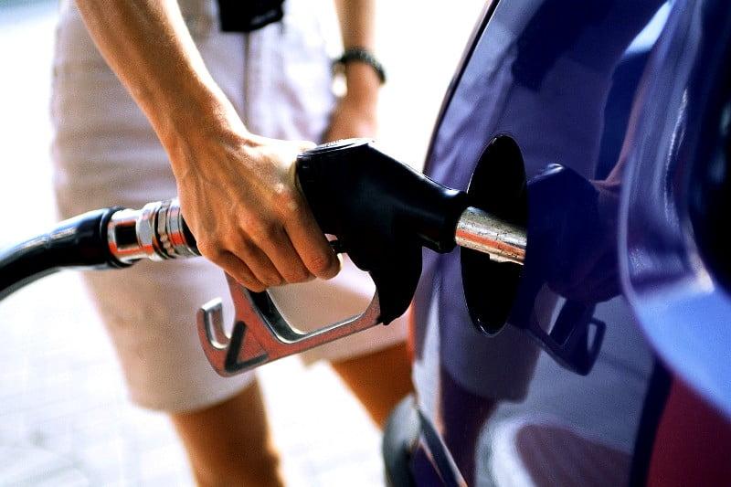 Johannis: Acciza pe carburanti putea fi evitata. Preturile vor creste in lant