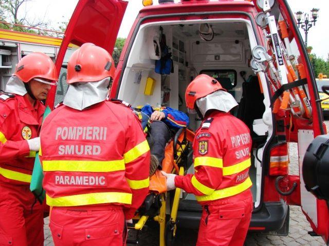 ACCIDENT MORTAL pe DN1: Soferul unei masini a murit pe loc dupa ce a lovit o AMBULANTA!