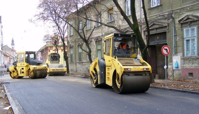 Viteza de asfaltare in judetul Sibiu: 1 kilometru pe zi