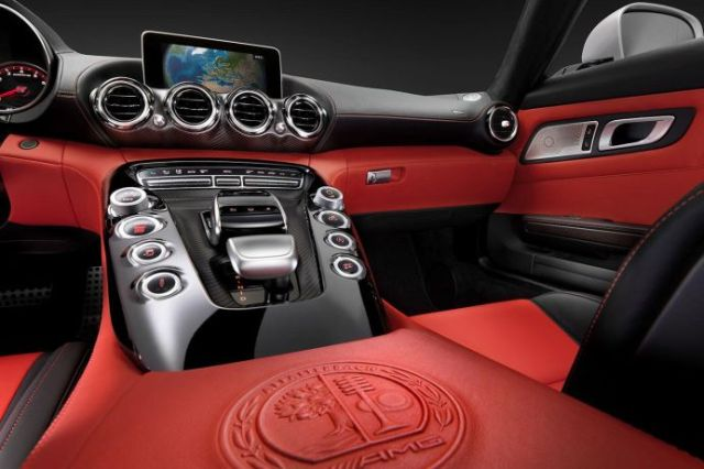Mercedes lanseaza un nou model sport: AMG GT! VIDEO PREZENTARE