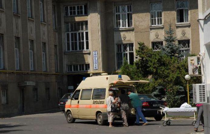 O tanara a fost lovita in cap de tencuiala desprinsa de pe o cladire din centrul Sibiului!