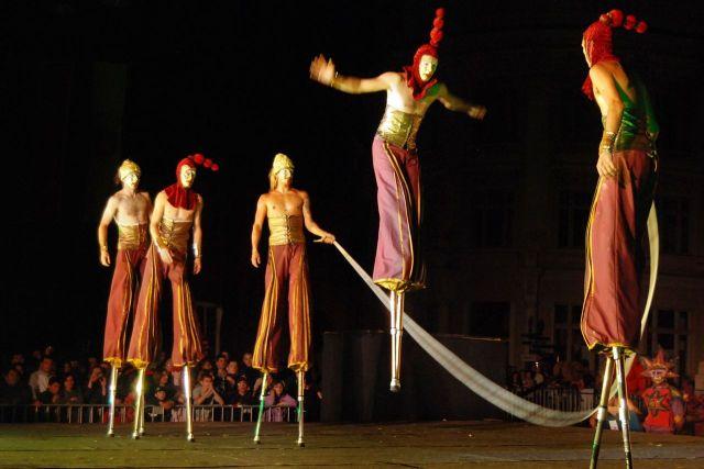 Se apropie FESTIVALUL DE LA SIBIU, care timp de zece zile va transforma Sibiul in CAPITALA EUROPEANA A TEATRULUI! VIDEO2