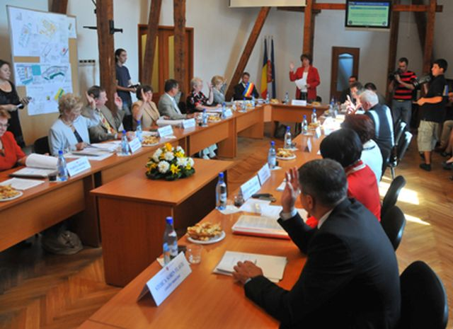 Se fac calcule in administratia locala Sibiu! Iohannis doreste colaborarea cu PDL!1