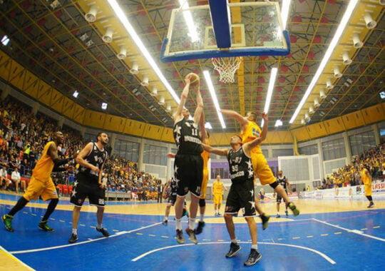 CSU Sibiu a pierdut meciul decisiv cu U Cluj, scor 72-74!