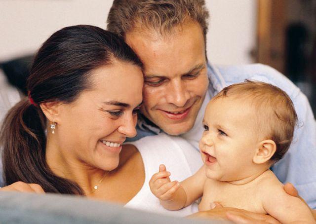 Peste jumatate din parintii din Romania spun ca veniturile le ajung doar pentru strictul necesar!2