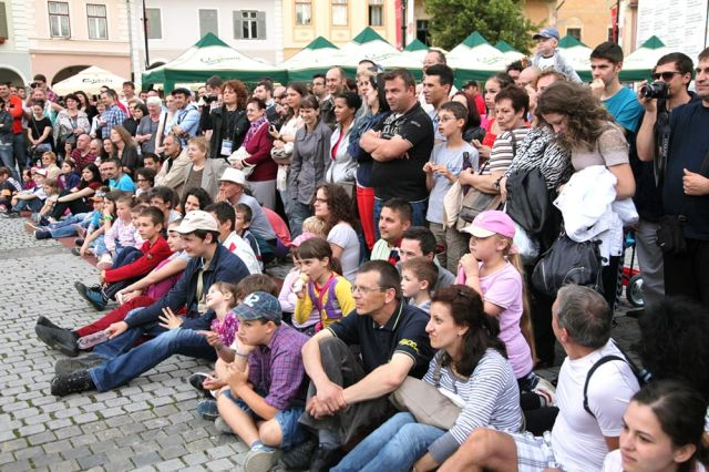 RECORD de spectatori la editia 2014 a Festivalului International de Teatru de la Sibiu!2