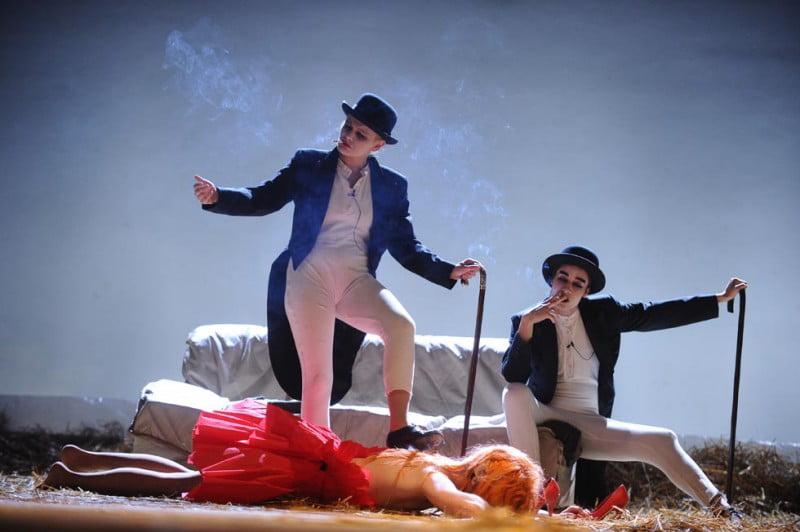 Teatrul National Radu Stanca Sibiu prezinta Calatoriile lui Gulliver in turneu la Omsk!2