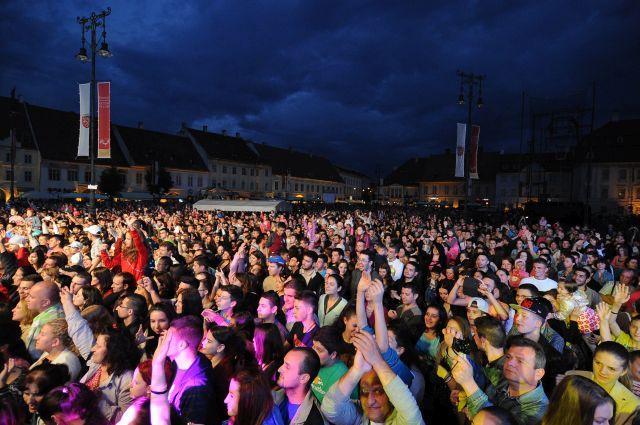 IMAGINI din prima zi a Festivalului International de Teatru Sibiu 2014!