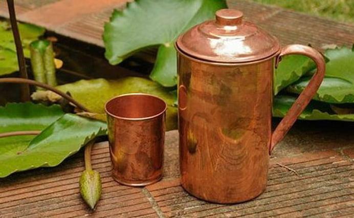 Apa pastrata in vase de cupru si proprietatile sale de vindecare