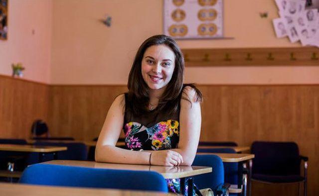INTERVIU cu singura eleva din judetul Sibiu cu zece pe linie la BACALAUREAT! Ce crezi ca isi doreste sa devina!2