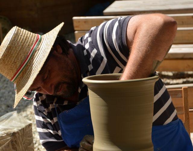 Targul International Frumos. Ceramic. Folositor la Sibiu! Vezi PROGRAMUL2
