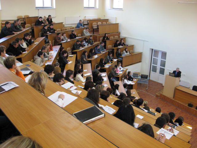 Peste 2.000 de tineri au devenit studenti ai ULBS!