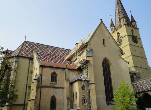 S-au incheiat lucrarile de reabilitare a acoperisului Bisericii Evanghelice C.A. din Piata Huet!