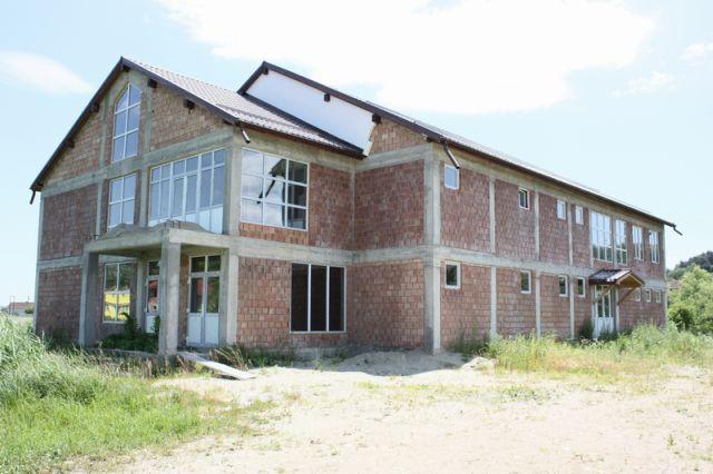 Autoritatile locale din Rusciori au finalizat o investitie inceputa de Ministerul Educatiei!