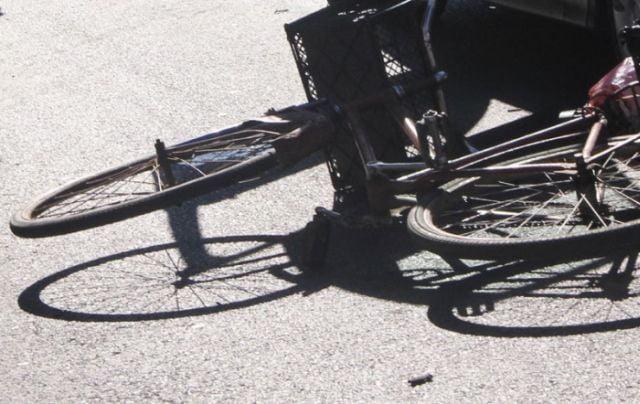 Biciclist neatent, accidentat grav de o autoutilitara!2