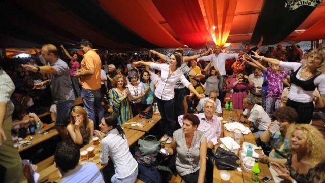 CibinFEST da startul distractiei in Piata Mare!2