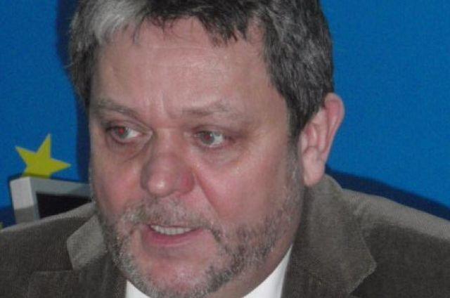 Mircea Cazan Ponta 7 case nedeclarate, urmasul vrednic al lui Nastase '4 case declarate!2