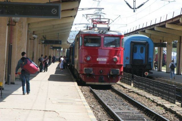 Pericol pe calea ferata din Medias!2