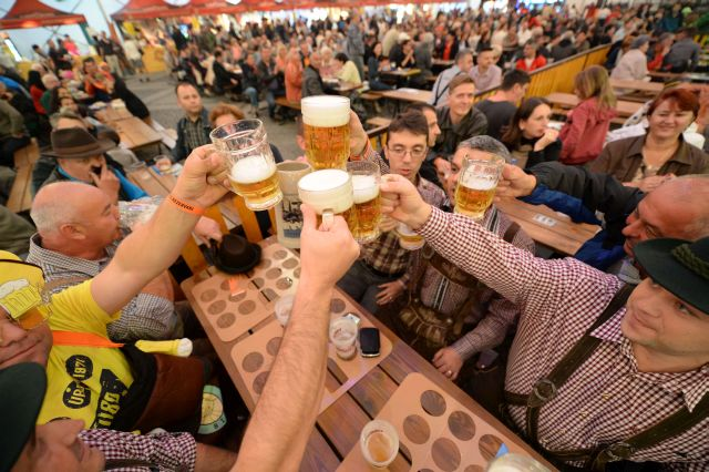 Peste 500 de hectolitri de bere au curs la CibinFEST 2014!