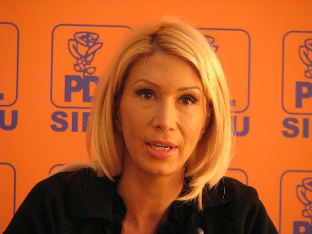 Raluca Turcan: E bine ca Monica Macovei si-a ales drumul si nu mai produce confuzie!