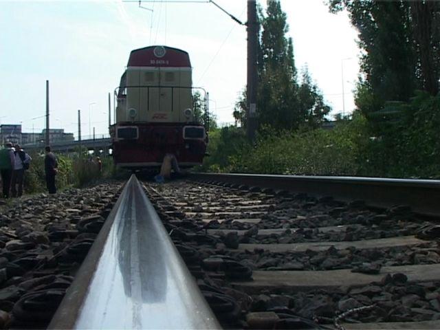 Si-a sugrumat sotia, apoi s-a aruncat in fata trenului!2