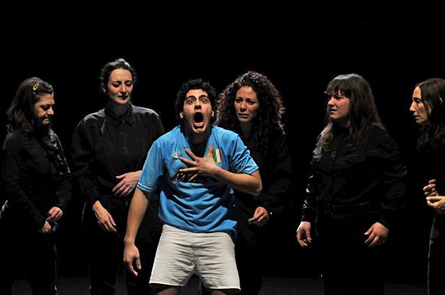 """Spectacolul """"Le sorelle Macaluso"""" a castigat premiul pentru Cel mai bun spectacol de teatru!"""