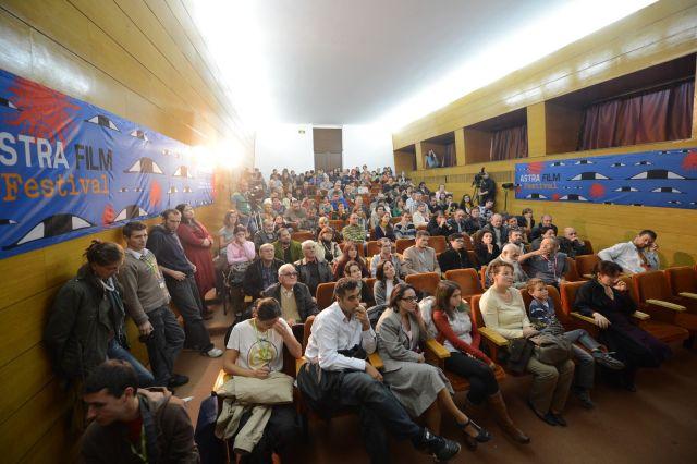 Astra Film Festival va invita sa vizionati cele mai de succes documentare romanesti online!
