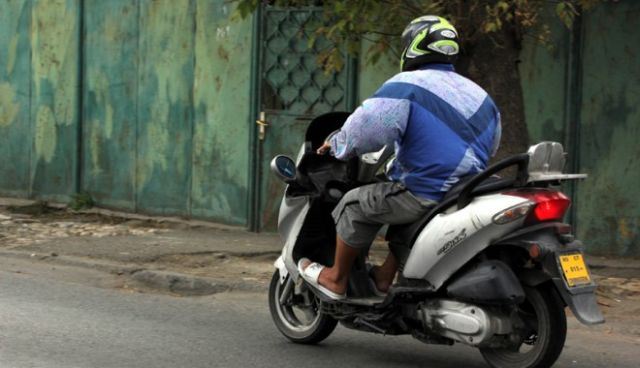 Pericolul in trafic al mopedelor neinregistrate! Citeste ce fac politistii daca te prind cu mopedul si fara permis!
