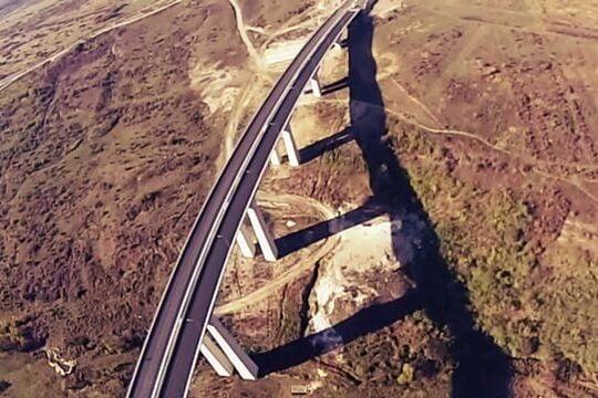 FILMARE AERIANA cu autostrada A1 Sibiu-Orastie! In ce stadiu sunt lucrarile! VIDEO