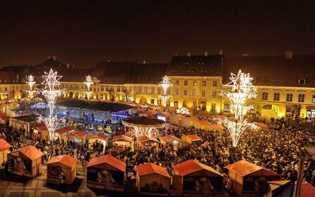 Primaria Sibiu a inceput instalarea iluminatului de SARBATORI! Piata Mica si Podul Minciunilor vor fi iluminate special!2