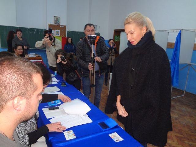 Raluca Turcan Am votat pentru o Romanie a celor multi!1