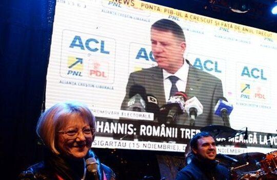 Targul de Craciun de la Sibiu a fost deschis cu imagini cu Iohannis cantand imnul Romaniei!