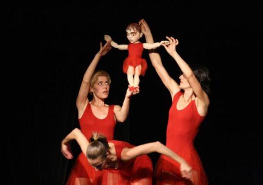 Cel mai asteptat spectacol de teatru cu papusi va fi prezentat la Teatrul Gong din Sibiu!