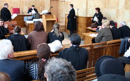 """Tribunalul Sibiu apare in stenogramele DNA din dosarul retrocedarilor. Nume de cod: """"La Clinica Sibiu nu se mai fac internari"""""""