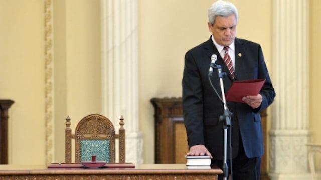 """Iohannis l-a facut pe Ion Ariton, """"Luptator cu Rol Determinant in Revolutie"""". Ce spune fostul ministru"""