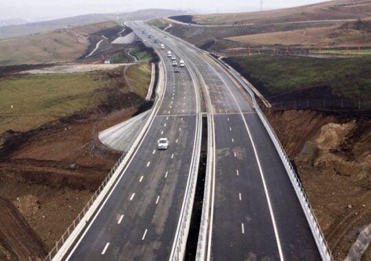 Doua firme au fost amendate pentru gropile de pe un pod de legatura cu autostrada A1 Deva-Sibiu!