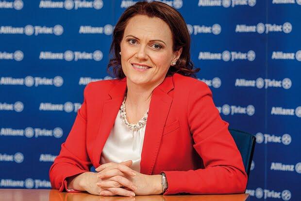 Sibience cu cariere de succes. Conduce cea mai mare companie de asigurari din Romania