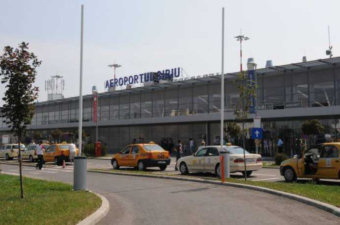 Afganii care au dormit in Aeroportul International Sibiu au fost trimisi la Viena