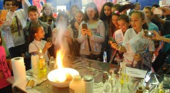 Peste 80 de experimente ii asteapta pe sibieni la Noaptea Cercetatorilor
