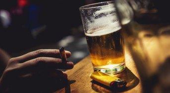 Tic tac tic tac – ceasul fumatului în spaţii publice mai are câteva ticăieli
