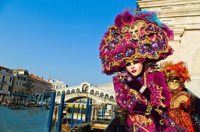 """Teatrul """"Gong"""" va reprezenta Romania la Carnavalul de la Venetia"""