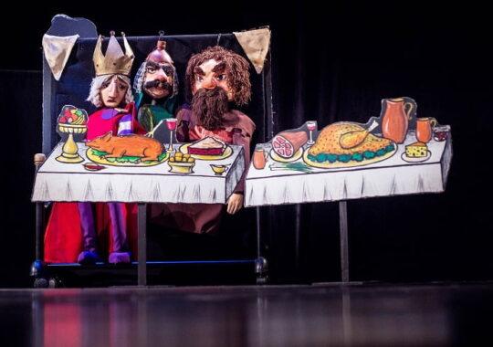 """Teatrul Gong prezinta """"Sarea-n bucate"""" copiilor din Spania"""