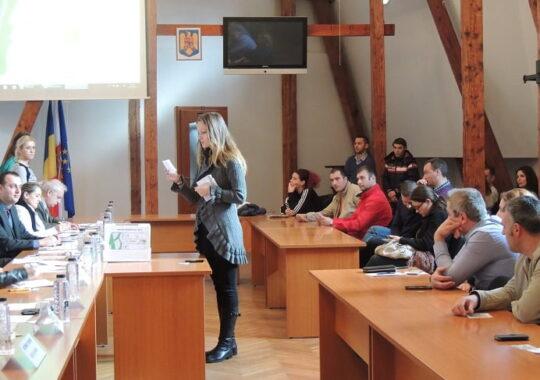 Tinerii din Sibiu au tras la sorti lotul castigator