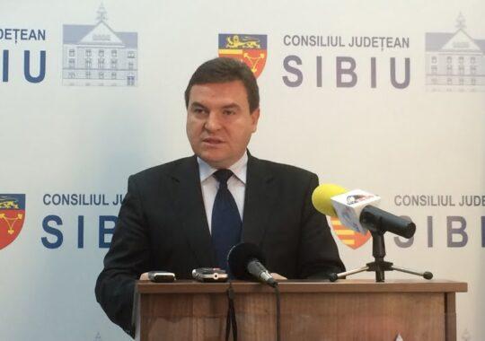 De ce a demisionat prefectul de Sibiu? Teama de demitere, ca sa nu-si asume capul lui Cindrea sau vrea locul lui Iohannis