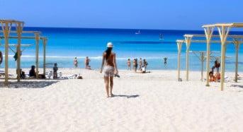 A mers la plaja si a gasit o avere, dar a anuntat imediat politia